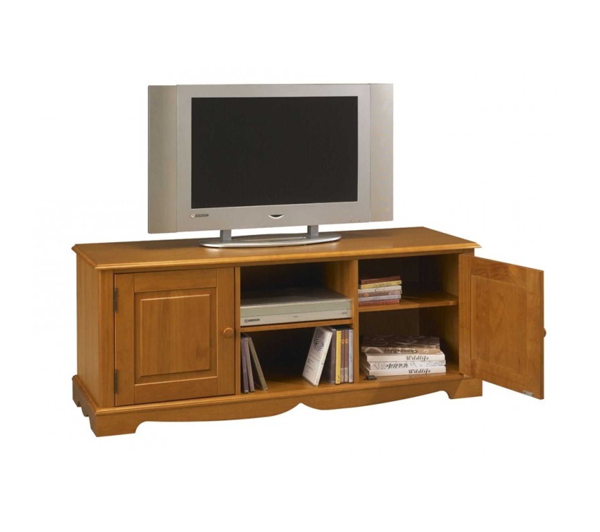 Meuble tv 143 cm pin miel de style anglais meuble tv but Meuble tv style anglais