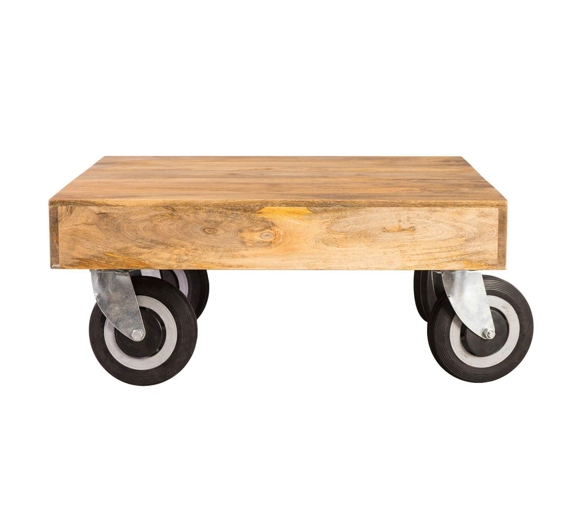 Mettre Des Roulettes Sous Une Table table basse design industrielle carrée À roulettes l80 x l80 cm atelier